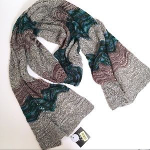 Echo knit chevron winter scarf NWT